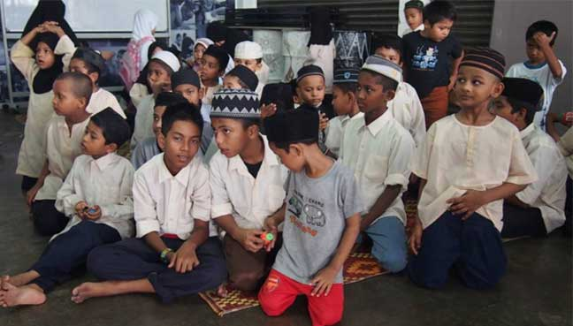 Rohingya Children of the Pelangi Kasih informal school for refugee students at Selayang, Batu Caves
