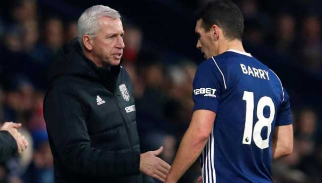 Pardew to hold talks with Evans over West Brom future