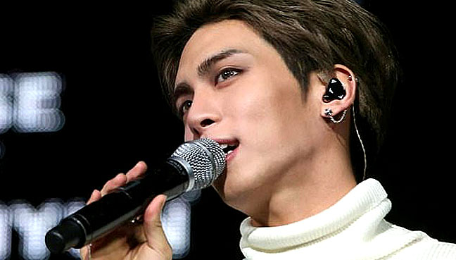 SHINee members, fans bid goodbye to Jonghyun