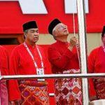 najib-razak-ahmad-zahid-hamidi-umno-naik-bendera