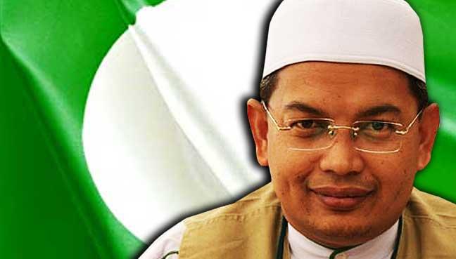Azman-Ibrahim-pas-bendera