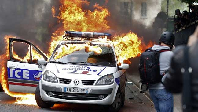 New-Year-car-torching,-arrests-up-in-France