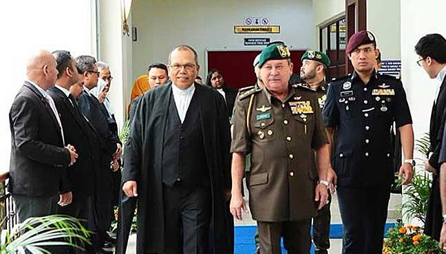 Johor's Sultan Ibrahim Sultan Iskandar at the Muar Court Complex today. (Pic: Royal Press Office)