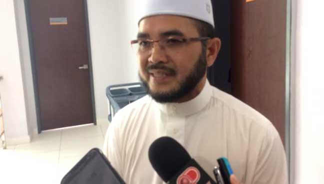 Nik-Muhammad-Zawawi2