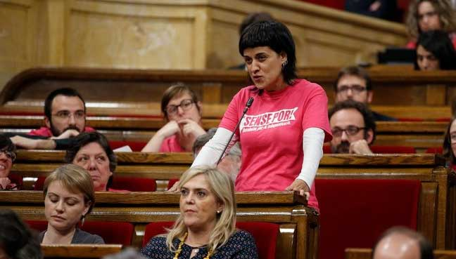 Major Catalan politician flees Spain