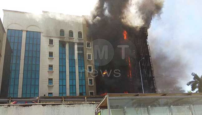 EPF building along PJ's Jalan Gasing catches fire