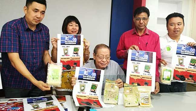 Dr M won't pass the PM baton to Anwar, says Najib