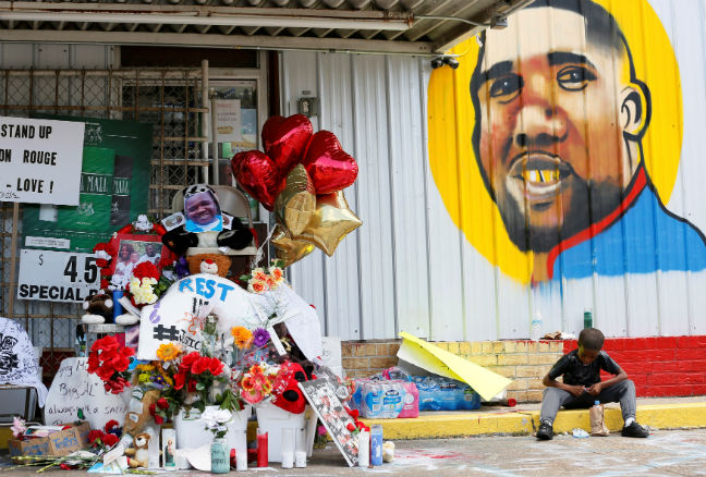 Police officer who killed Alton Sterling in Baton Rouge is fired