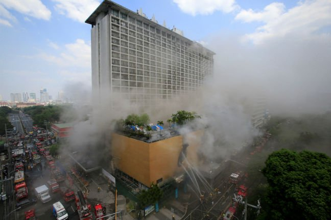 Philippines: Four killed, 19 feared trapped as fire hits hotel in Manila
