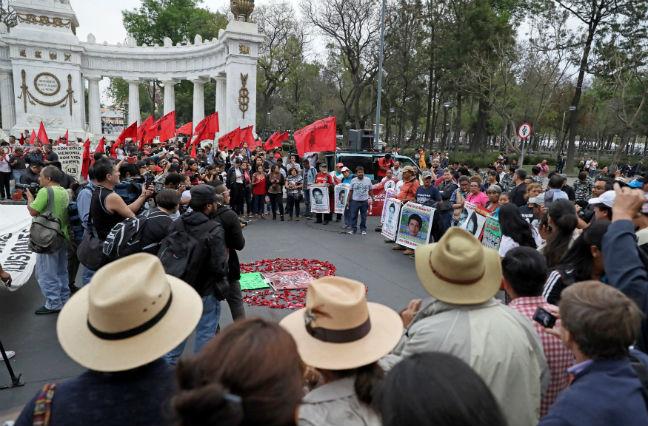 MEXICO CITY PARENTS STUDENTS MISSING 43 PROTEST REUTERS