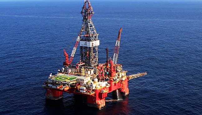 Rights-activist-says-Sarawak-should-not-relent-if-the-federal-government-oil-rig-1