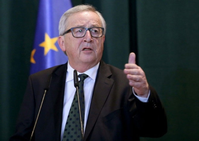 European Commission President Jean-Claude Juncker says that it is crucial for the UK to clarify its plans regarding the Irish border. (AFP pic)