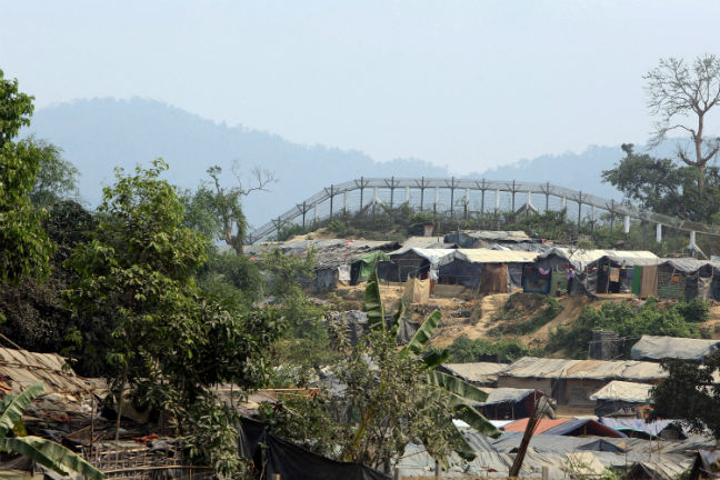 Malaysia allows Rohingya refugees to enter after intercepting boat