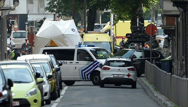 Liege shooting: Gunman 'kills two policemen' in Belgium