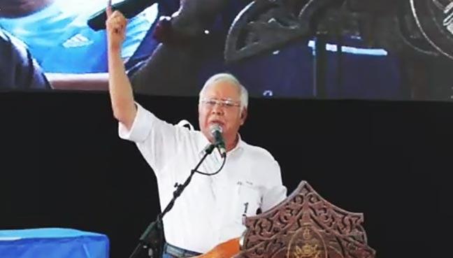 Najib makes fun of Mahathir's loose tongue