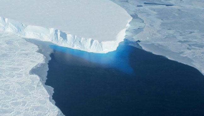 U.S. researchers to lead giant Antarctic glacier study