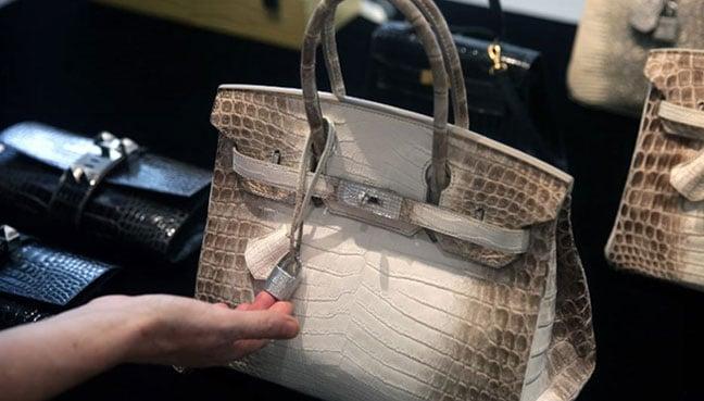 Membeli beg tangan Birkin tidak semudah pergi ke kedai dan bertanyakan  tentangnya. (Gambar AFP) 263bb0bda4