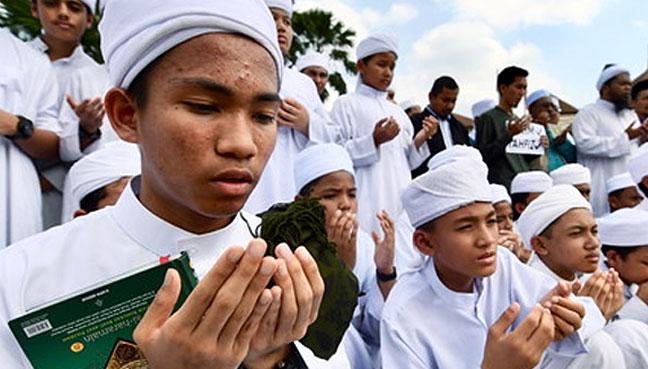 kementerian akan campur tangan bantu pelajar tahfiz free malaysia