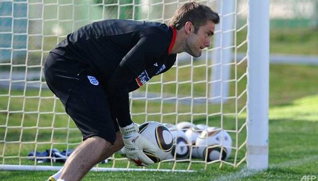 Chelsea sign former England goalkeeper Robert Green