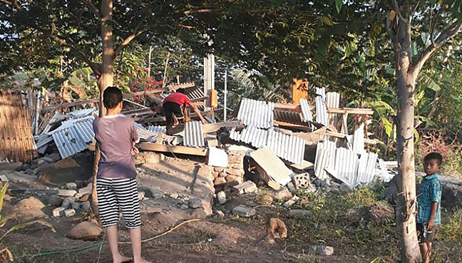 Indonesia's Lombok Island hit by 6.4 magnitude natural disaster