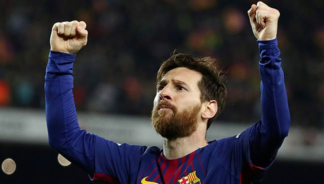 Gallery: Lionel Messi Lifts First Trophy As FC Barcelona Captain