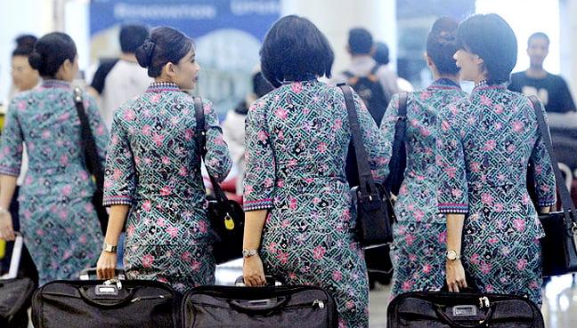 Stewardess Dress Too Sexy Look Away Loke Tells Pas