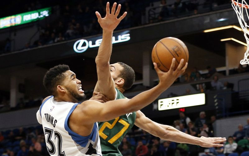 Towns agrees to 5-year, $190M extension with Timberwolves