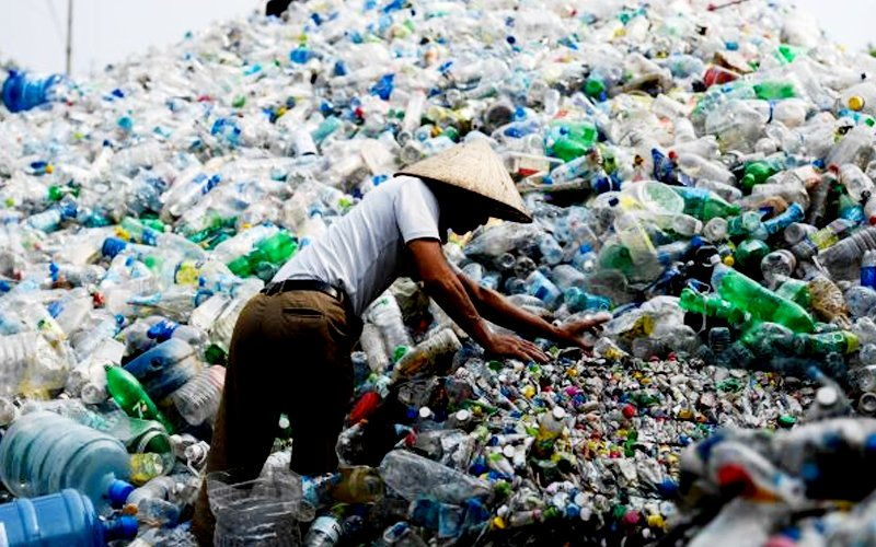 Plastic waste: Govt forms committee to look into recycling industry | Free  Malaysia Today