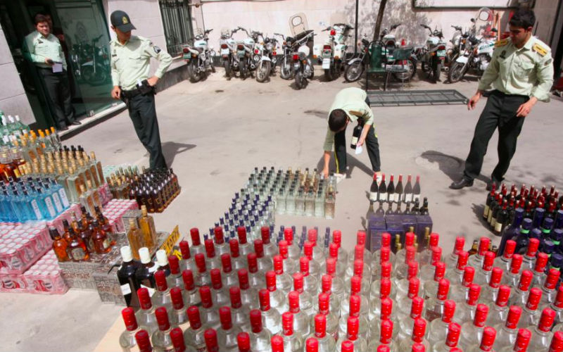 FMT-Iranalcoholpoisoning29102018-AFP.jpg