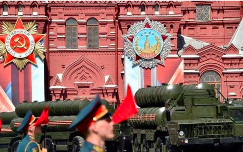 Arms deal expected as Putin visits India