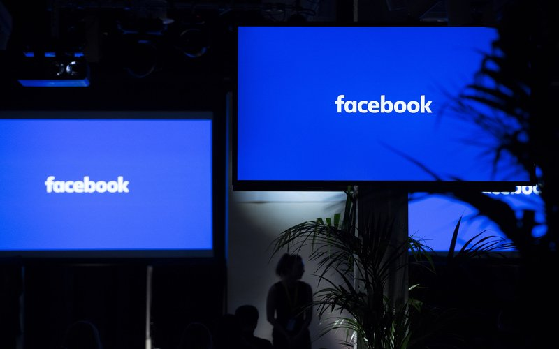 Facebook suspends Trump's account for 2 years, will reassess 'risk'