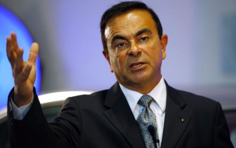 Renault keeps Carlos Ghosn as CEO despite arrest in Japan