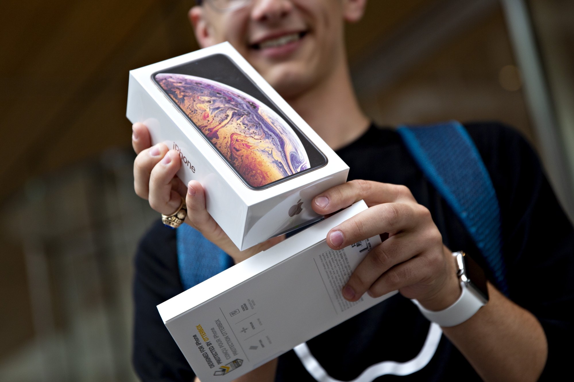 Apple supplier to slash expenses amid concern over iPhone sales