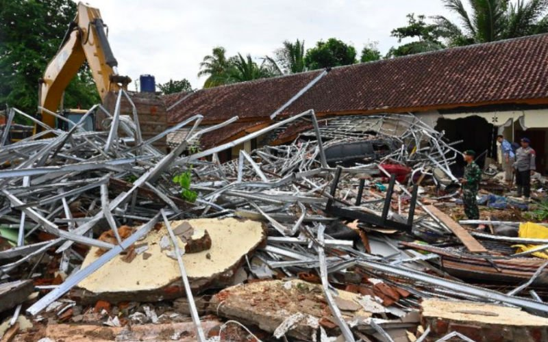 Indonesia Tsunami: 373 people dead, more than 1400 injured