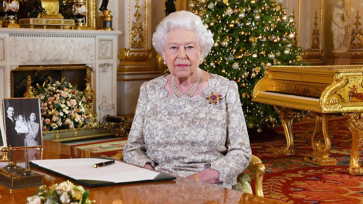 Queen Warns Against Tribalism As Britain Bickers Over EU Exit