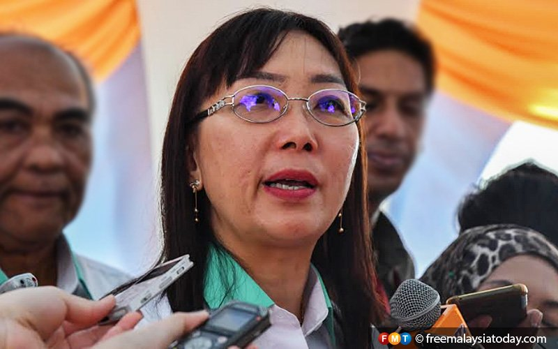 teresa-kok-fmt-100119-2 Teresa Kok makes good on threat to sue PAS man over 'anti Islam' label