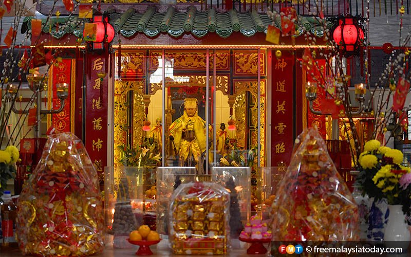 The Chinese lunar new year is also an occasion for Buddhists to leave offerings for deities.