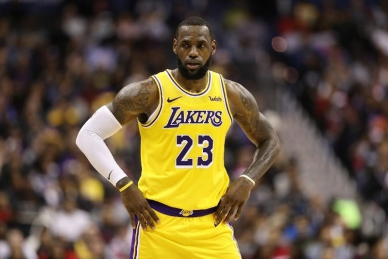 online store 0eacf b63da LeBron not OK with Magic s  weird  departure from Lakers