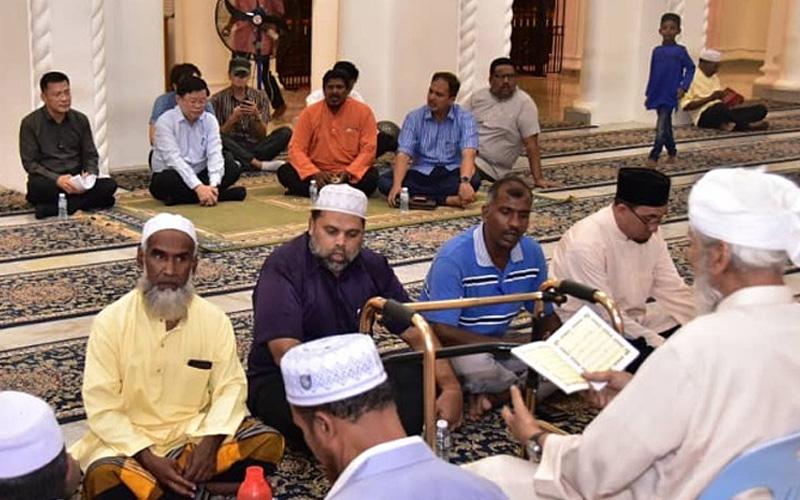 Mosque Shooting Video Gallery: Penang CM Attends Prayer For NZ Mosque Massacre Victims
