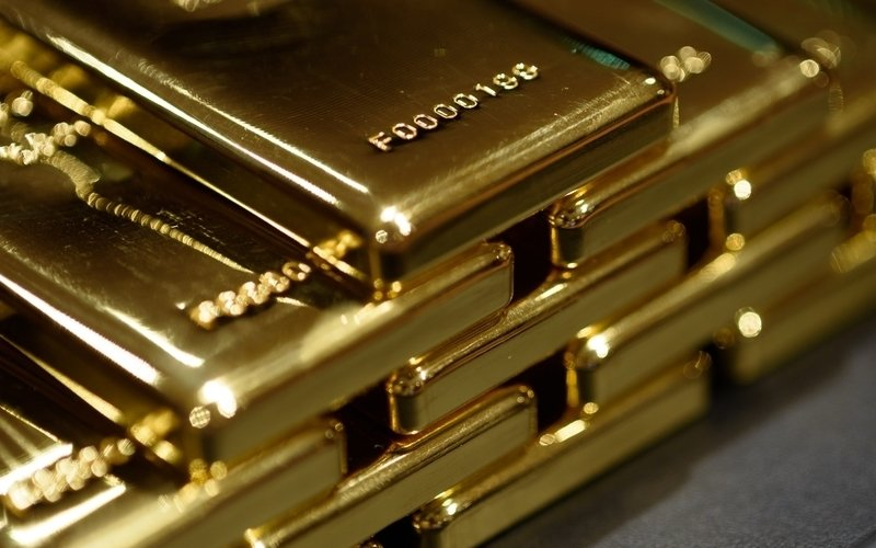 Gold at over 6-year high on geo-political tensions