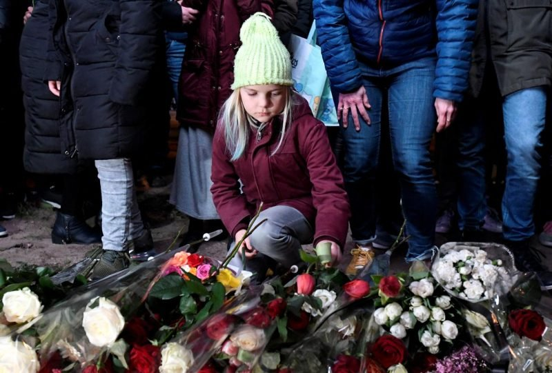 Mourners gathered: Terror suspect confesses to deadly Netherlands attack: prosecutors