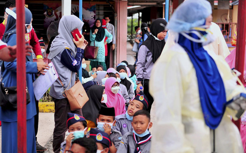 Malaysia shuts 111 schools as toxic dumping poisons hundreds