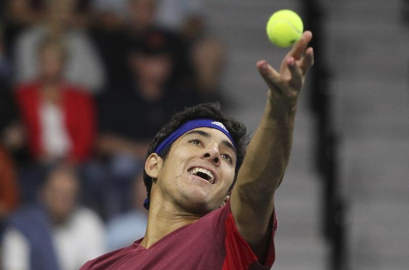 Garin overpowers Querrey to make Houston final