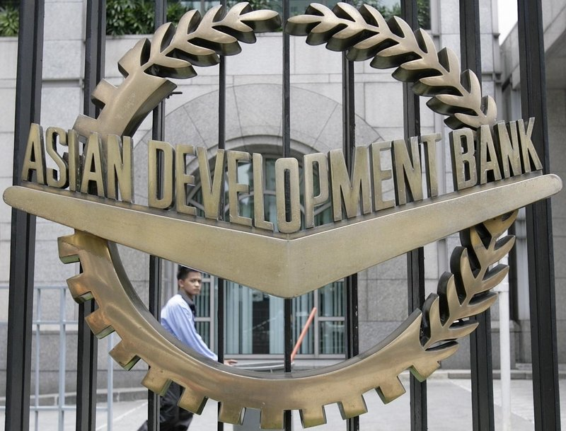 ADB Says Coronavirus Might Halve GDP Growth in Developing Asia