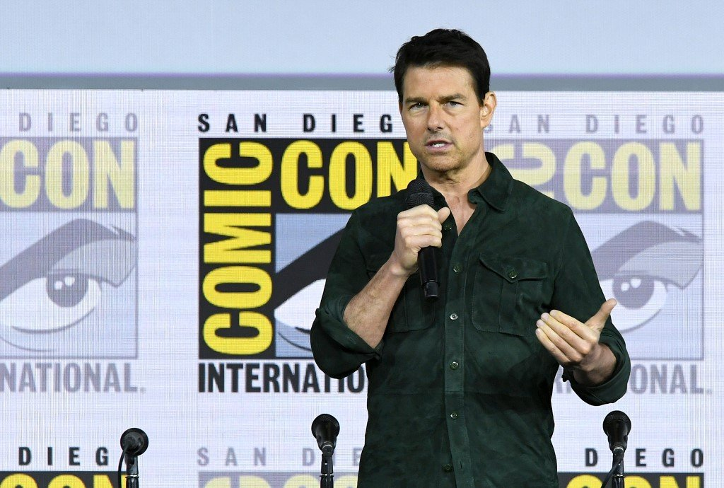 Tom Cruise delights fans with first look at 'Top Gun ...