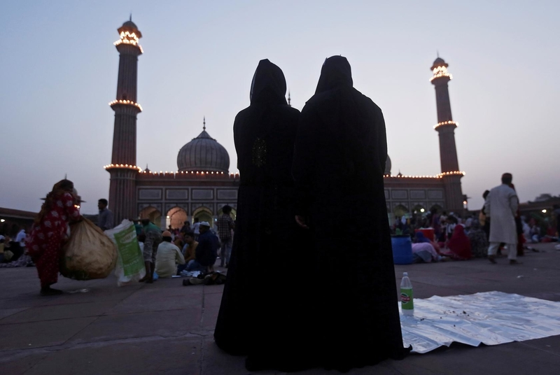 India bans instant divorce for Muslims sparking celebrations among women's rights activists