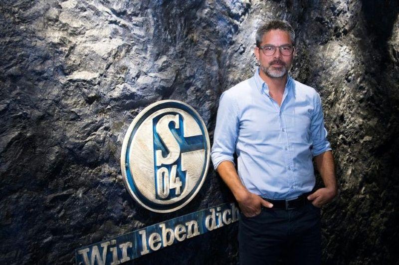 Schalke Coach Says Bundesliga Restart Gives Hope To Other