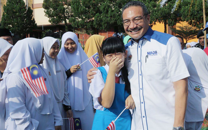 A plea for unity from ex-minister Hishammuddin | Free