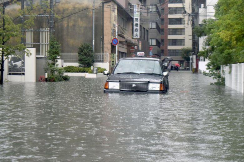 Japan floods: Evacuation order issued to 240000 people