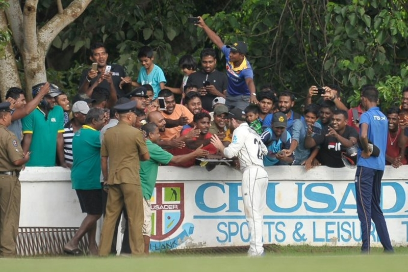 Sri Lanka fans throw birthday party for Williamson in stadium | Free